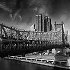 Manhattan from Roosevelt Island Tramway by Yannick Verkindere