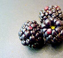Colourful blackberries by bubblehex08