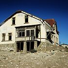 Old abandoned house by Madcowontherun