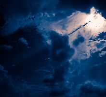 Brisbane Sky - Looking Up - January 19 2011 by LookingUp