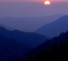 Sunset in The Mountains, Smoky Mountains N.P. by Tony Ramos