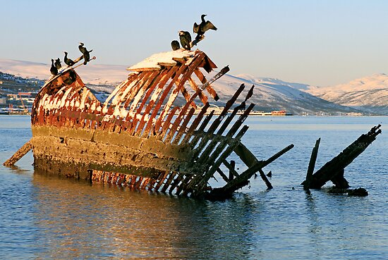 At the old shipwreck by Frank Olsen
