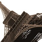 Eiffel Tower by jaysalt