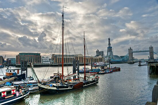 Thames River View: London, UK. by DonDavisUK