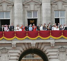 Balcony salute at Buckingham Palace by Keith Larby