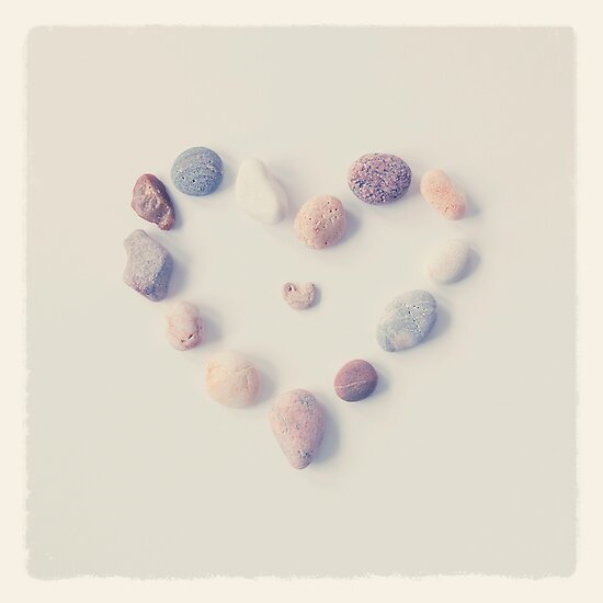 Pebble Heart by mariakallin