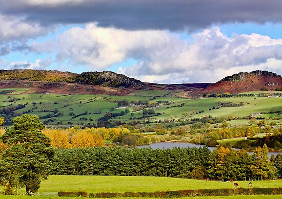 The Roaches and Hen Cloud by James  Key