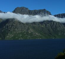 Cloudbands above Lake Wakatipu by orkology