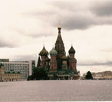 St Basils Cathedral in Red Square by EJ27