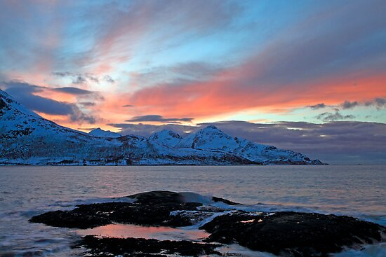 Winter sunset in the arctic by Frank Olsen
