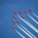 Red arrows flying 'V' (RIAT 2009) by arkendo