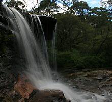 Weeping Rock - Wentworth Falls by clickz