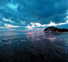 Pre-sunrise at Nudgee Beach. Brisbane, Queensland, Australia. by Ralph de Zilva