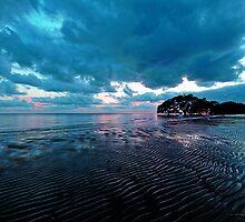 Pre-sunrise at Nudgee Beach. Brisbane, Queensland, Australia. by Ralph de Zilva