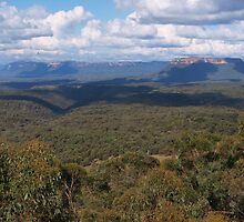 Capertee Valley and Pantoney's Crown 2011-03-19 by orkology