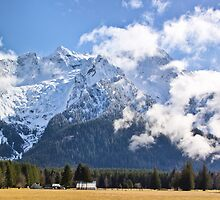 Whitehorse Mountain by Mike  Kinney