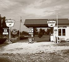 Route 66 Sinclair Station by Frank Romeo