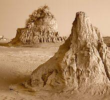 Mungo National Park by David  Lange