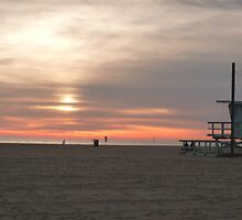 Santa Monica Beach by tashturner