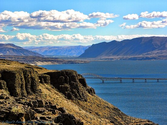 Beautiful Vantage - Columbia River Gorge by rocamiadesign
