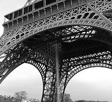 Eiffel Tower - Paris, France by inspiredbysakar