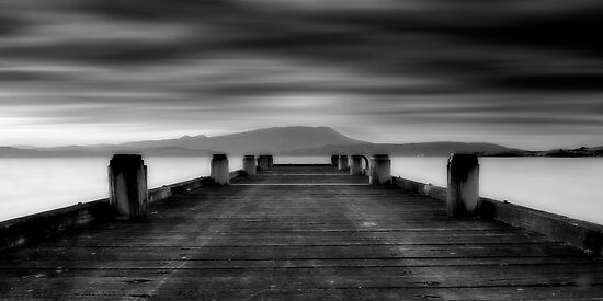 Southarm Jetty by lee Henley