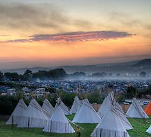 Glastonbury Festival Sunset by oindypoind