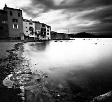 Saint Tropez - Old Fisherman's Port by hermez