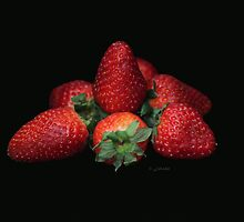 About light and strawberries.. by John44