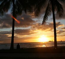 Waikiki sunset by Maurine Huang