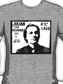 Julian Assange has a Wiki T-Shirt