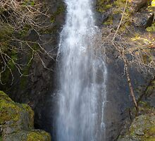 Bridal Veil Falls - Northern California by joshsmama05