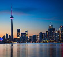 Toronto skyline  by Inge Johnsson