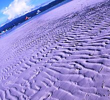 patterns on the sand by lensbaby