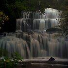 Pūrākaunui Falls by EblePhilippe