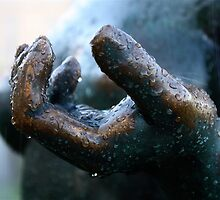 My blue hand for your golden tears - Maillol by Clo Sed