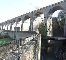 Spanning The Grund - Luxembourg  by lencurrie