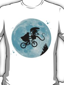 E.T. vs Aliens T-Shirt
