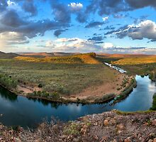 Big Bend in the Kimberly by Les Pink