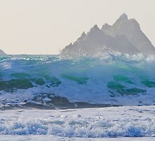 Skelligs Wave by Hauke Steinberg