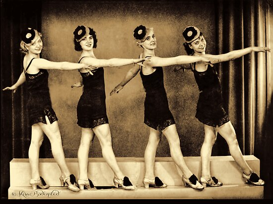 flappers in 1920. the 1920#39;es - flappers by