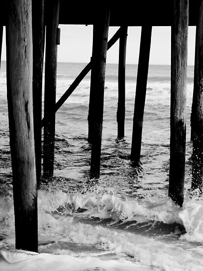 Pier and Waves by CavyGirl